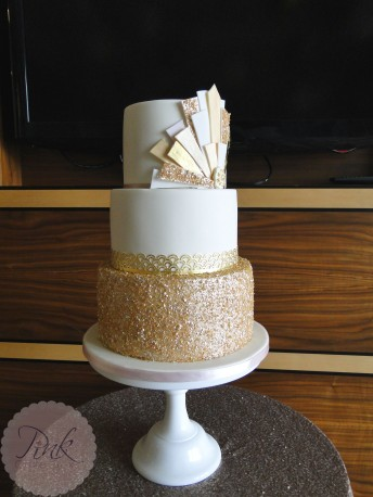 art-deco-sequin-wedding-cake