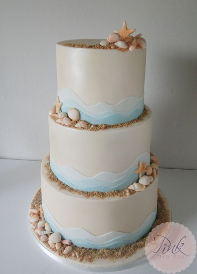 beach-wave-wedding-cake