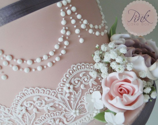 dusky-pearls-lace-and-roses
