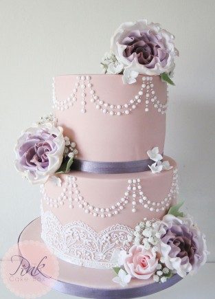 pink-lace-rose-dusky-wedding-cake
